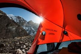 Allestimento di un campo d'alta quota sul ghiacciaio Baltoro, Pakistan