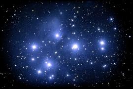 Ammasso globulare Pleiadi e le sue nebulose.