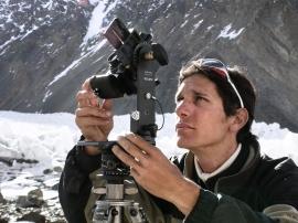 Pakistan 2004: Campo Base del K2 ad una quota di 5050m, durante alcune riprese panoramiche sferiche a 360° con la testa panoramica Manfrotto 303H. Archivio: F. Ventura